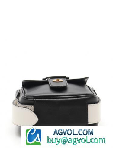 PRADA・バッグ・VITELLO ヴィッテロ ショルダーバッグ レザー 黒 白 メッセンジャー